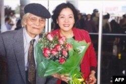Thi sĩ Hoàng Cầm và Kiều Loan, Hà Nội 2002