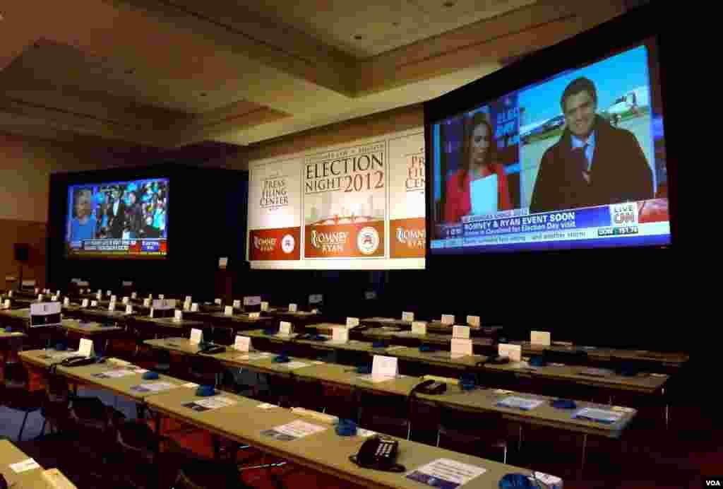 El centro para los medios de comunicación acondicionado en Boston desde donde la corresponsal de VOA Carolina Aguilar enviará los reportes especiales. [Foto: Carolina Aguilar]