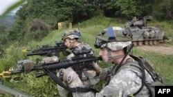 Şimali Koreya cənubun hərbi təlimlərini pisləyib