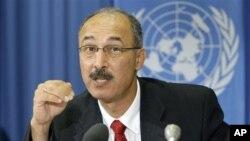 Mahmoud Elkhafif, Koordinator UNCTAD untuk bantuan bagi rakyat Palestina, berbicara dalam konferensi pers mengenai kondisi ekonomi wilayah-wilayah Palestina di Jenewa (30/8).