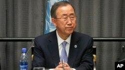 Sekjen PBB Ban Ki-moon melakukan lawatan ke negara-negara Tanduk Afrika (27/10).