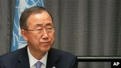 Ban Ki-moon s'est félicité « de la signature de la Charte de la Transition », qu'il attendait « avec impatience », selon son porte-parole.
