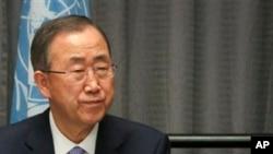 Ceux qui soignent les victimes de l'Ebola « sont des gens exceptionnels, qui donnent d'eux-mêmes pour venir en aide à l'humanité ... au péril de leur propre vie », a souligné Ban Ki-moon