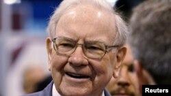 Tỉ phú Warren Buffett, Chủ tịch Tổng giám đốc Tập đoàn Berkshire Hathaway.