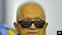 Khmer Rouge leader Nuon Chea stood before the court on October 19, 2011.