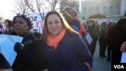 反對同性婚姻的富恩茨與羅德島教會團體代表一起前來華盛頓請願。