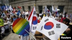 Activists demonstrated for and against gay rights at a gay pride festival in Seoul, South Korea, in June 2015.
