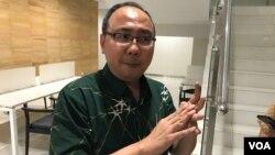 dr. Ahmad Faried, PhD dari Fakultas Kedokteran Universitas Padjadjaran, memberikan keterangan pada wartawan di Jakarta. (Foto: Rio Tuasikal/VOA)