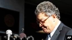 ال فرانکن، سناتور مینه سوتا در روزهای اخیر با چند اتهام مزاحمت جنسی مواجه شده بود.