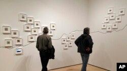 Une exposition d'art le 15 mars 2018 dans un musée de New York. (AP Photo/Eric Risberg)