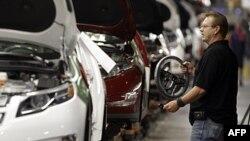 Một dây chuyền lắp ráp xe của General Motors ở Hamtramck, Michigan, ngày 27 tháng 7, 2011