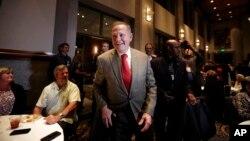 Bivši predsednik Vrhovnog suda Alabame i kandidat za Senat SAD Rej Mur na jučerašnjem skupu u Montgomeriju, u Alabami
