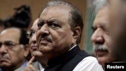 侯赛因取代扎尔达里任巴基斯坦总统