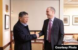 2019年3月19日台北市长柯文哲与美国国务院代理亚太副助卿史墨克会面(台北市政府提供)
