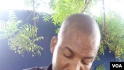 Keneya Kouna foni, Issa Traore: Docotoro mininw guilan baga do