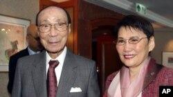 香港娱乐业大亨邵逸夫和夫人方逸华。(资料照)
