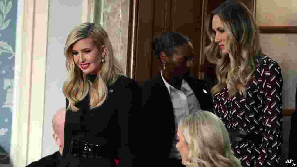 Başkan Trump'ın kızı Ivanka da dahil aile üyeleri Birliğin Durumu konuşmasını izlemek için Kongre Binası'ndaydı