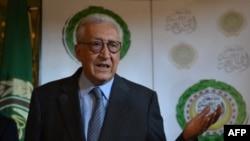 ທ່ານ Lakhdar Brahimi ທູດພິເສດຂອງ ສັນນິບາດອາຣັບ ແລະ ສະຫະປະຊາຊາດ.