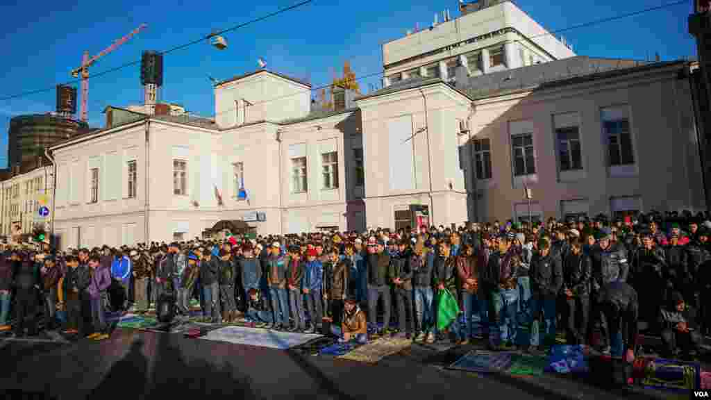 Moskva, 15-oktabr 2013, (Vera Undritz for VOA)
