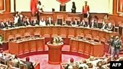 Shqipëri: Politika para sfidave të reja; të hënën rihapet Parlamenti