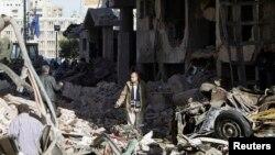 На месте теракта в городе Эль-Мансура. Египет. 24 декабря 2013 г.