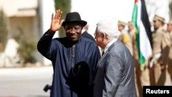 지난 달 팔레스타인을 방문한 굿럭 조나단 나이지리아 대통령(왼쪽). (자료사진)