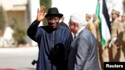 지난 10월 팔레스타인을 방문한 조다난 굿럭 대통령. (자료사진)