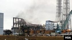 PLTN Fukushima yang rusak akibat bencana gempa bumi di Jepang 11 Maret lalu.