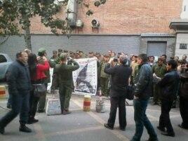 参加过战争或核试验的解放军退伍老兵到北京军委上访。(权利运动网图片)