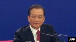 Thủ tướng Trung Quốc Ôn Gia Bảo nói sẽ không để bị ép buộc phải điều chỉnh tỷ giá tiền tệ