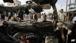 13일 파키스탄 페샤와르시의 폭탄 테러 현장.
