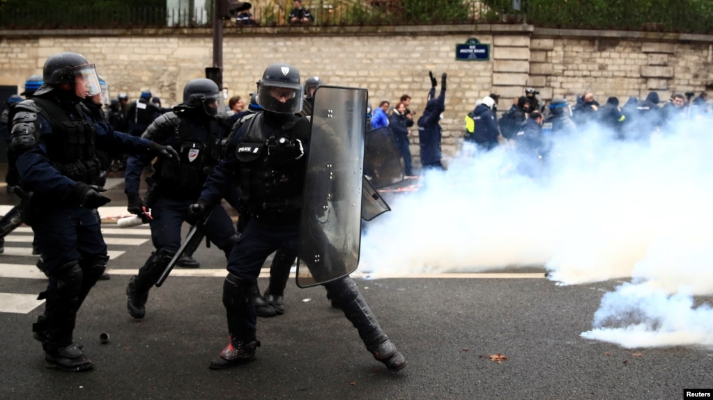 France to Deploy 65,000 Police to Prevent Violence During Protests