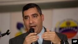 Menteri Dalam Negeri Miguel Rodriguez Torres di Caracas, Venezuela (2/5).