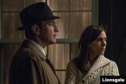 مکگرگور و جنیفر کانلی در فیلم «آمریکن پستورال» از مکگرگور