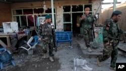 9일 아프가니스탄에서 무장 저항세력 탈레반이 남부 지역 주요 공항인 칸다하르공항을 공격해 수 십명이 사망했다.