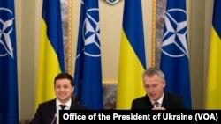 На фото: президент України Володимир Зеленський та генсек НАТО Столтенберг