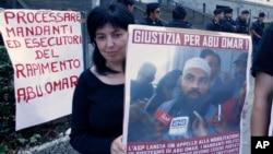 En Milán hubo protestas a favor del clérigo egipcio Abu Omar también conocido como Osama Mustafa Hassan Nasr, durante el juicio de 26 estadounidenses y siete italianos acusados de secuestrarlo. Foto de archivo. Septiembre 2009.