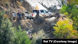 FresnoSAR Team seek to recover students' bodies from a car in Kings River,CA Aug 10, 2017.