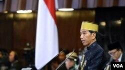 Presiden Jokowi menyampaikan pidato kenegaraan saat Sidang Tahunan DPD-DPR di Gedung Paripurna MPR DPR DPD RI Jakarta Rabu 16 Agustus 2017. (Foto: Biro Pers Kepresidenan).