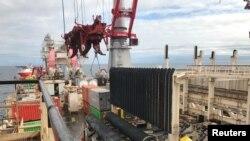 Postavljanje cevi za gasovod Severni tok 2 u Baltičkom moru, 13. septembra 2019. (Foto: Reuters/Stine Jacobsen)