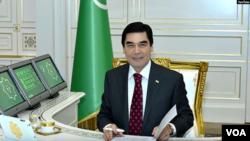 Türkmənistan prezidenti Qurbanqulu Berdiməhəmmədov