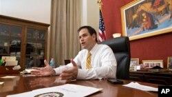 El 51 por ciento de los electores de Florida aprueba en sentido general la labor del senador Marco Rubio en Washington.