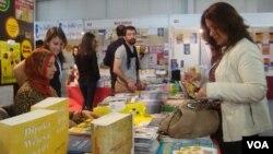 Dîmenek ji peşengeha pirtûkan ya li Dîyabekirê Foto: Hatice Kamer