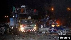 جلوس میں شامل ٹرک جس پر بے نظیر بھٹو سوار تھیں۔ اکتوبر 2007