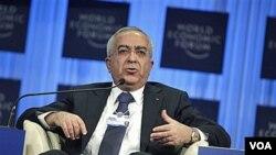 Kelompok Hamas menolak PM Salam Fayyad (atas) menjadi pemimpin pemerintahan persatuan Palestina yang baru.