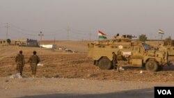 Des soldats de Kirkuk, le 20 octobre 2017, au nord de l'Irak. (VOA/H.Murdock)