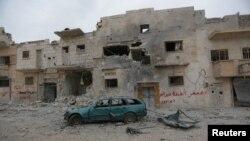 1일 시리아 북부 알바브 지역이 공습으로 폐허가 된 모습.