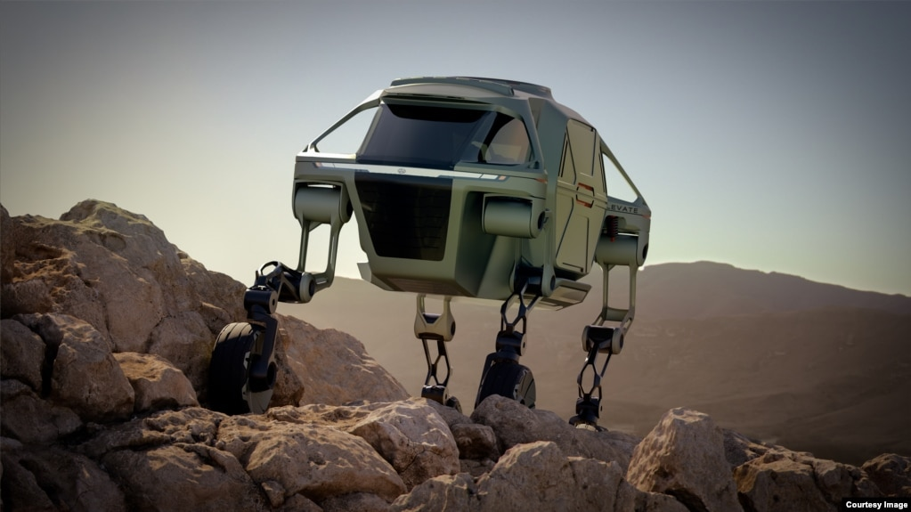 The Hyundai Elevate demonstrates its mammalian walking style. (Hyundai)