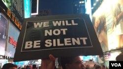 En total, se estima que unas 50 personas fueron detenidas por las autoridades durante la marcha. [Foto: Celia Mendoza].