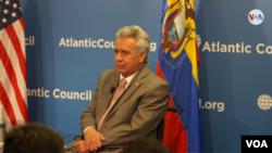 El presidente de Ecuador, Lenín Moreno, durante un evento celebrado en el centro de estudios Atlantic Council de Washington, el 13 de febrero de 2020. Foto: Alejandra Arredondo.
